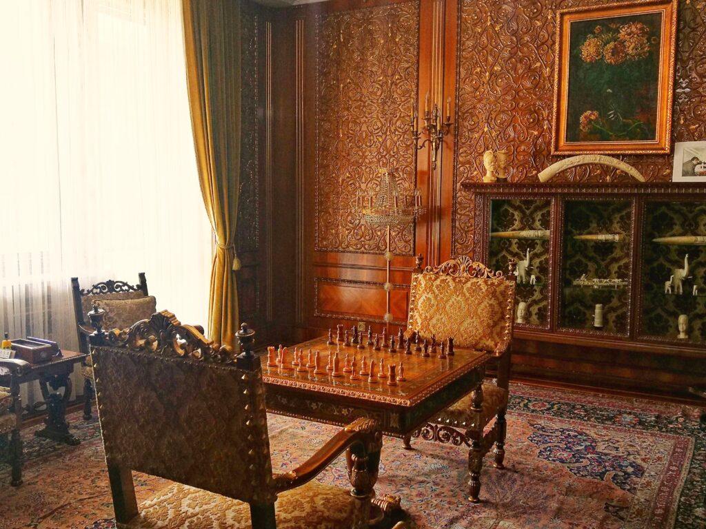 маса за шах Чаушеску