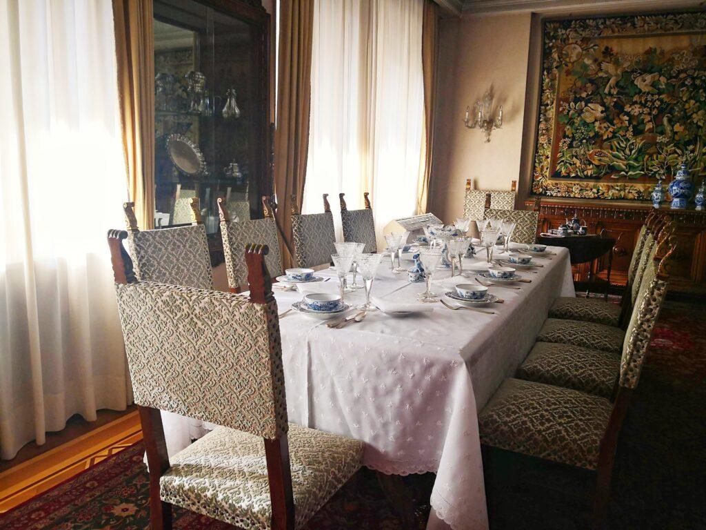 Трапезата в къщата на Чаушеску
