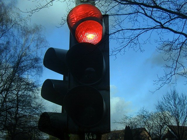 "Букурещ влезе в ""червен сценарий"" и властите налагат нови рестрикции"