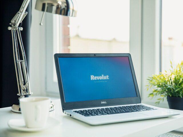Revolut започва да предлага банкови услуги в Румъния