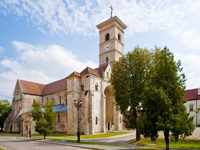 Католическата църква Юлба Юлия, Трансилвания