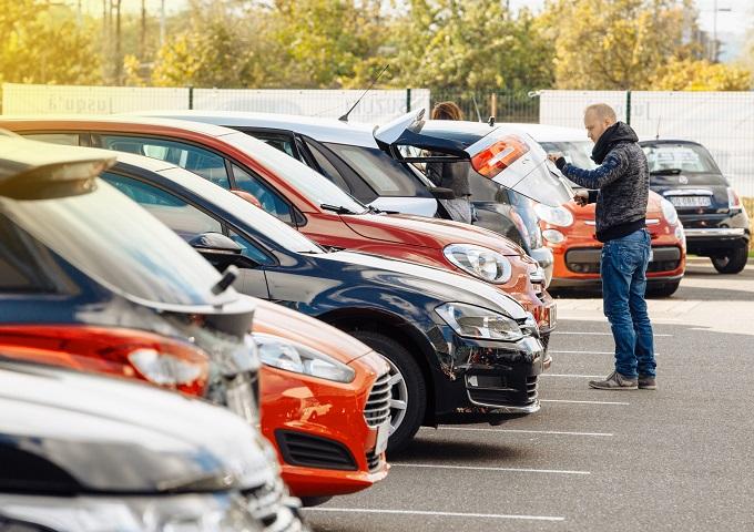Пазарът на нови автомобили